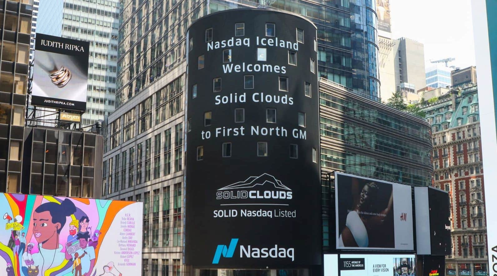 Solid Clouds rings the bell and starts trading